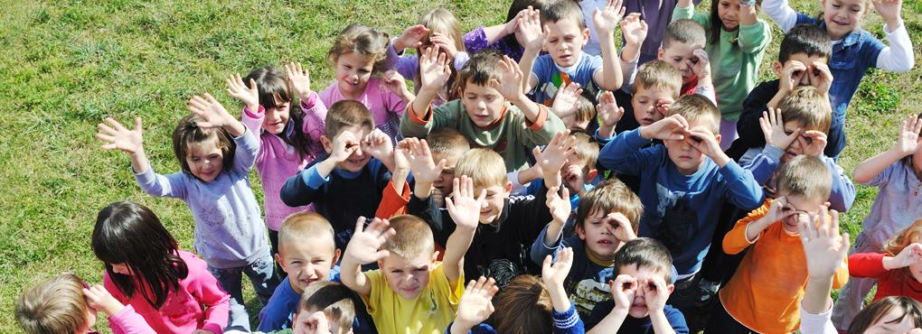 header_kids_handen2