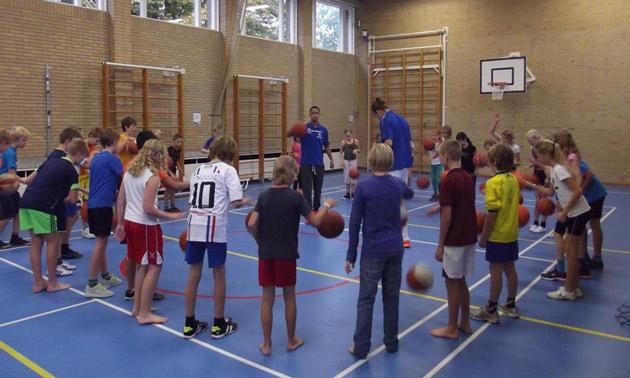 nieuwstadsweeshuis-leeuwarden-clinic-basketbal